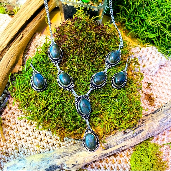 Labradorite silver necklace and earrings set